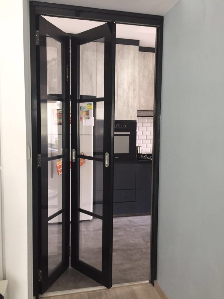 Aluminium Bi Fold Door Top 1 Singapore Safety Window