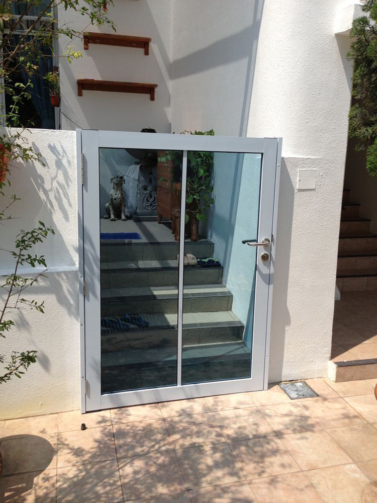 Aluminium Gate with Glass