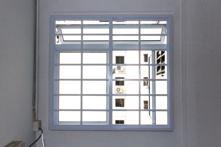Aluminium Grill with Casement Window